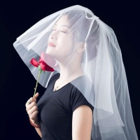 歌手AARYN润禾